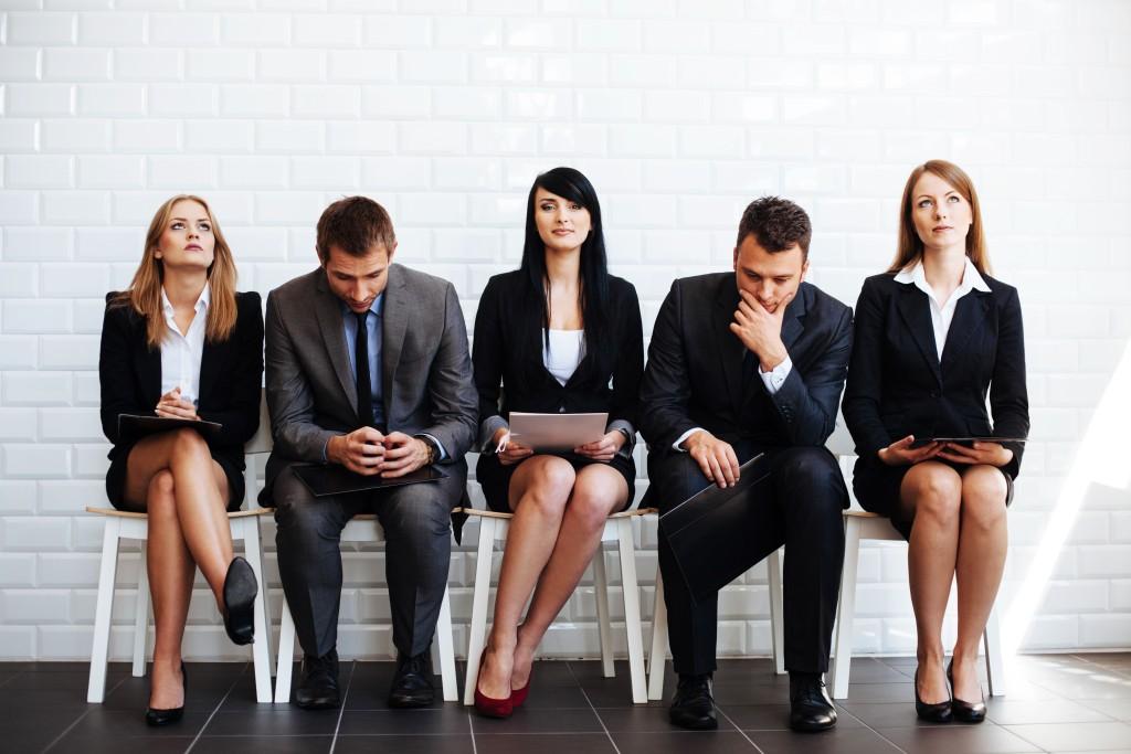 Candidats attendant pour un entretien de recrutement, ABP Recrutement